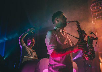 Beste dj met saxofonist